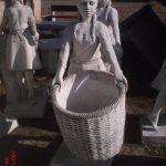 Çöp Sepetli Kız Maketi