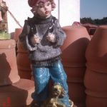 Çantalı Erkek Çocuk Heykeli