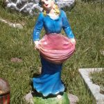 Çarşaflı Kız Heykeli