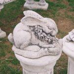 Çiçekli Tavşan Figürü