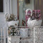 Çiçekli Kuğu Heykeli