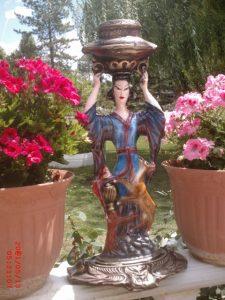 Çinli Mumluk Kız Maketi