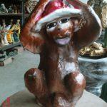 Şapkalı Maymun Figürü