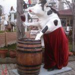 Şarapçı İnek Heykeli