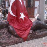 Şehit Asker Heykel