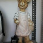 Ada Sepetli Tavşan Heykeli
