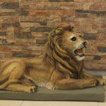 Afrika Sağ Yatan Aslan Heykeli