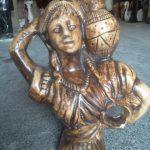Antik Vazolu Kız Heykeli