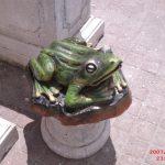 Art Kurbağa Figürü