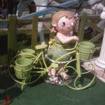 Büyük Bisikletli Kız Maketi