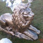 Büyük Yatan Aslan Figürü