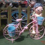 Bisikletli Büyük Erkek Çocuk Heykeli
