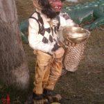 Kaseli Maymun Figürü