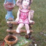 Salıncaklı Kız Çocuk Heykeli