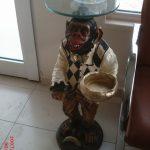 Sehpa Maymun Figürü