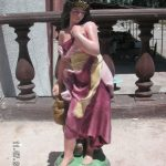 Su Taşıyan Kız Heykeli