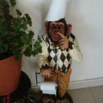 Tuvalet Kağıtlık Maymun Heykeli