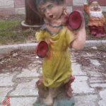 Zilli Kız Heykeli
